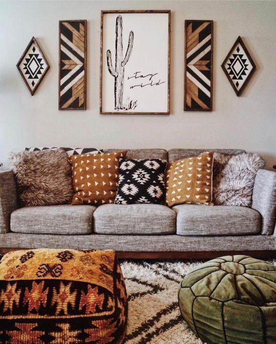 These Bohemian Decor Ideas Are Western Influenced Bohemianhomedecor Bohemianhomedecordiy Bohemianhomedeco Boho Living Room Decor Decor Boho Apartment Decor