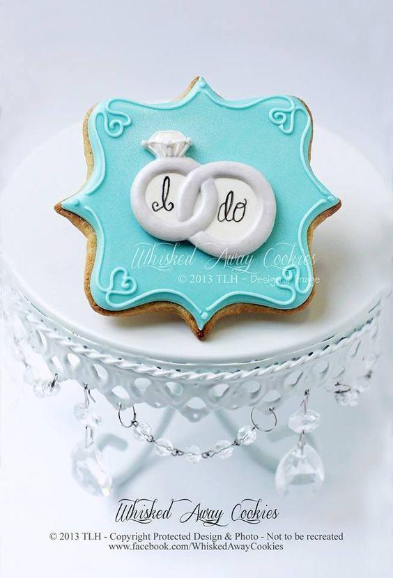 Wedding cookie favor- purple background