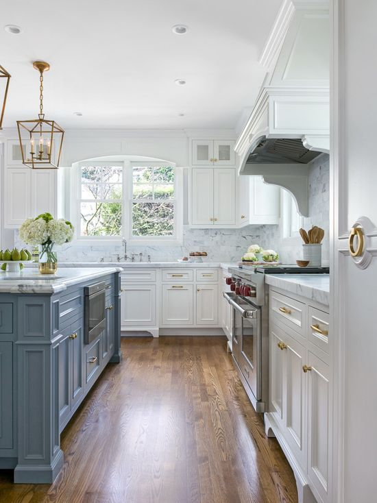 Chic Traditional Kitchen In White And Steel Blue Kitchen Remodel Small Kitchen Cabinet Design Farmhouse Kitchen Remodel