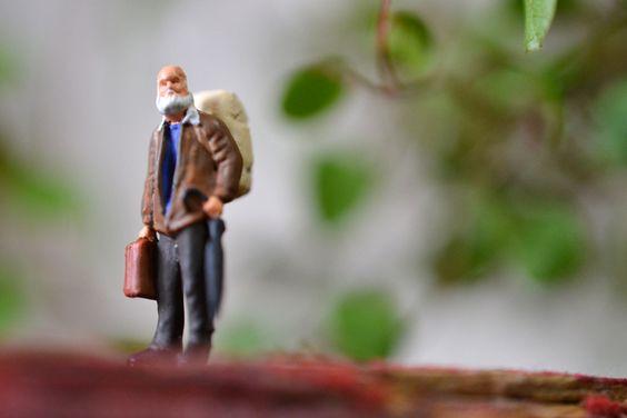 プライザー 旅行者 老人 リュック | Preiserと洋書のA.Koreander