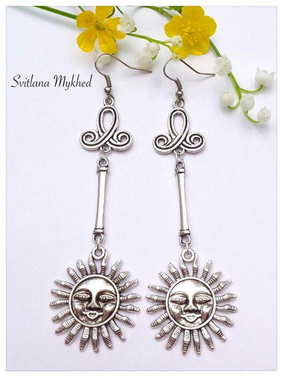 """Longues Boucles d'oreilles """"Du Soleil. Dieu du Soleil. Rà. Hélios."""" Style ethnique : Boucles d'oreille par perles-et-couronnes"""