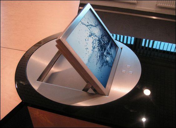 monitor integrado en atril H3o