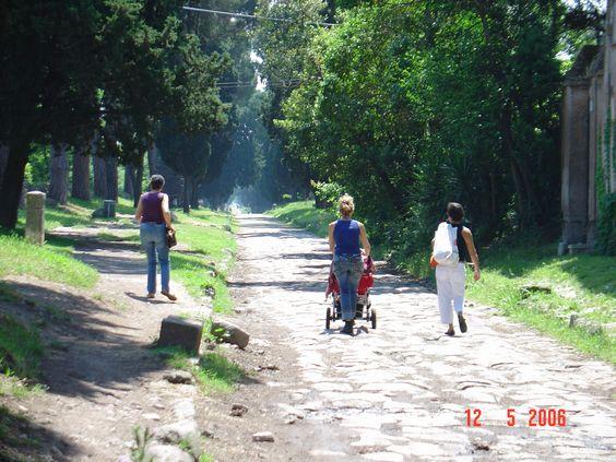 Caminhando pela Via Apia, Roma, Italia, em 2006