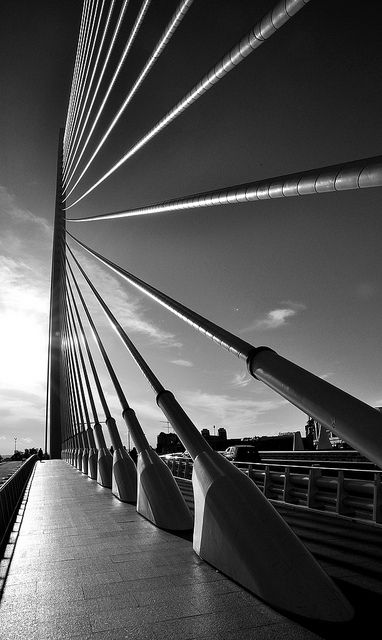 Here is a photo that I feel can teach both photography and studio artists. LEADING LINES. They tell the viewer where to look. This can be effective in any form of art. Try this at least once, please.