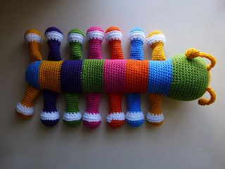 Amigurumi Caterpillar : Pattern for a stuffed toy caterpillar almost 40cm long. any
