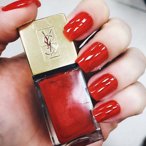 Unhas da semana por @milavaz no @celiofariabh: Rouge Pop Art do YSL #nails #unhasdachata