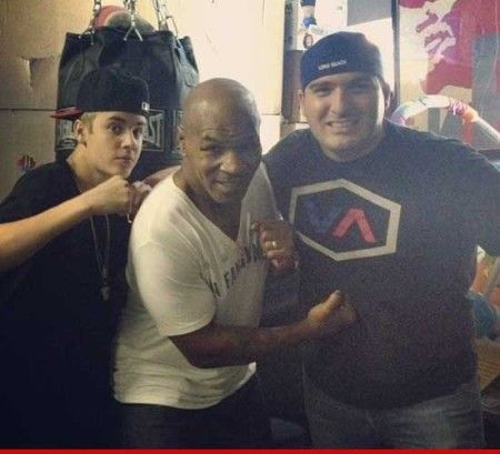 Justin Bieber Boxes With Mike Tyson, Then Beats Up Photographer (Video)   Justin Bieber Boxes With Mike Tyson, Then Beats Up Photographer (Video)  #KidDyno #Beats #Producer Sign up today, over 100s of free downloads http://kidDyno.com