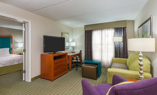 Homewood Suites By Hilton Orlando Nearest To Univ Studios Hotel Fl One Bedroom Suite Suite Room Hotel Homewood Suites Bedroom Suite