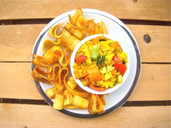 Tofu strapazzato con chips di platano all'aneto on http://www.unocookbook.com