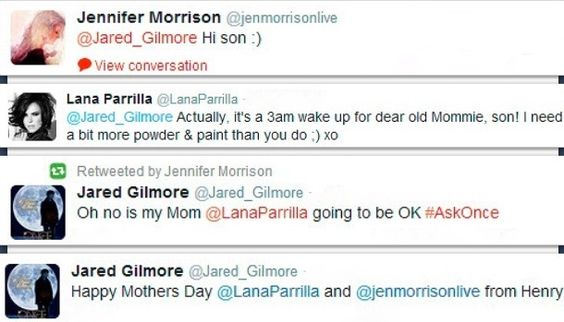 I love love love how Lana and Jen think they're actually Jared's mothers hahaha #onceuponatime #swanqueen