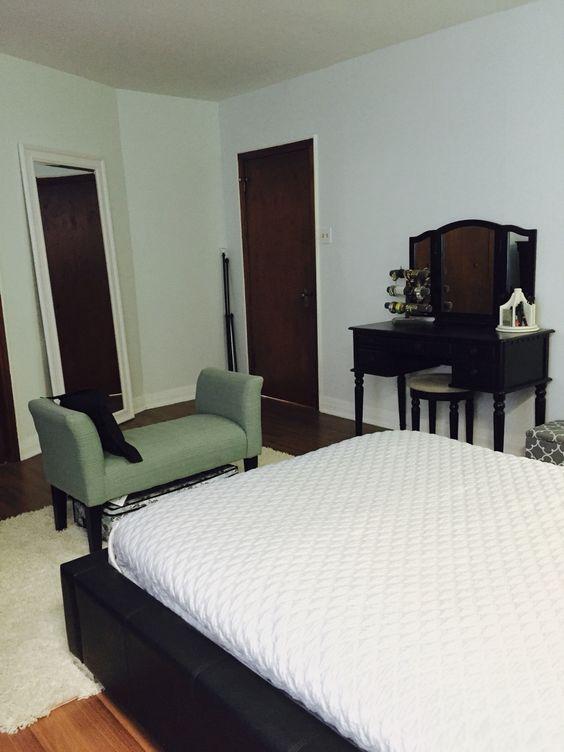 Mint wall bedroom