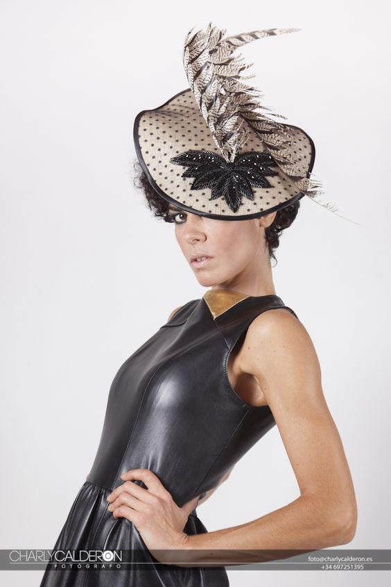 Ala en tul de plumeti y pailletes #tocados #sombreros #hats #headpieces #millinery #Seville #Andalusia #fashions #fascinators #hautecouture