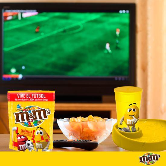M&M's Espagna - Se acercan las tardes de buen fútbol. ¡Qué nervios! Preparando provisiones de M&M's en 3, 2,1...