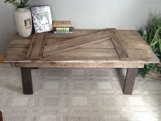 Barn door coffee table awesome coffee and rustic for Diy barn table