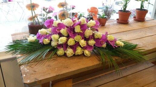 Auto corso/ tafelstuk rozen en paars/roze phalenophis