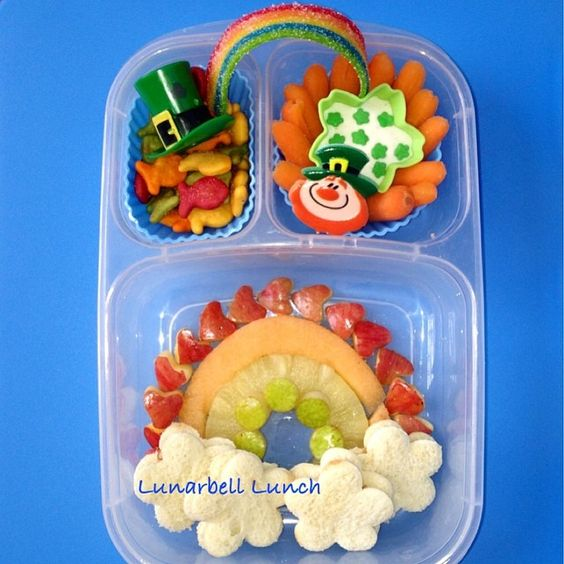 Colorful St. Patricks Day lunch box via lunarbell_lunch | Instagram