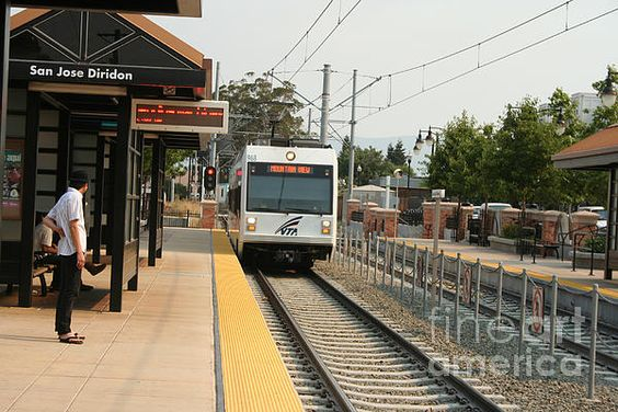 Light rail at Ron Diridon Station, San Jose
