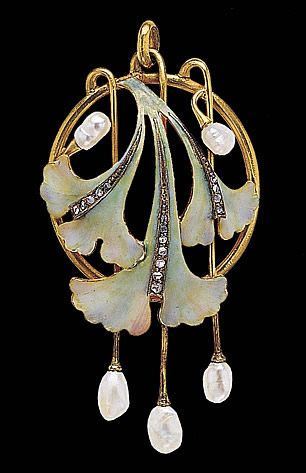 Art Nouveau Gingko Leaves Pendant. Gold, Diamonds, Fresh-Water Pearls and Enamel. Circa 1900. - This is stunning!: