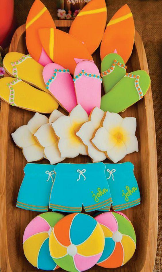 Surfs Up!  Great ideas for a Hawaiian birthday party!