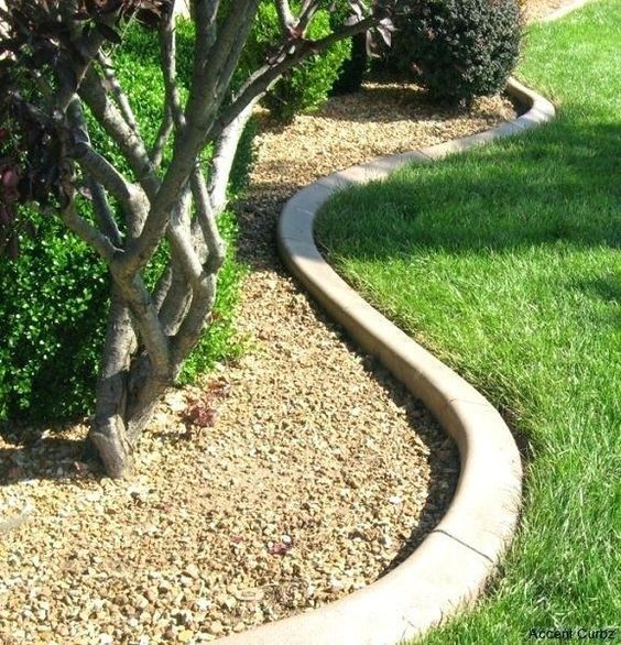 Curved Concrete Garden Bed Edging Is A Chic Minimalist Idea That Will Match Any Plants Concrete Landscape Edging Concrete Garden Edging Concrete Garden