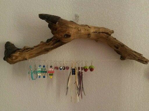 Porte boucles d 39 oreilles en bois flott portes bo for Porte photo en bois flotte