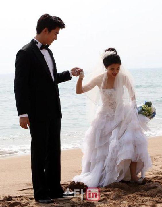 Taeyang wedding dress comeback season