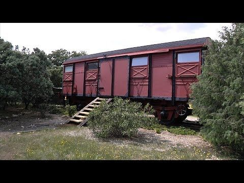 Un Vagón Una Original Vivienda Por 45 000 Euros Youtube Estilo En El Hogar Vagones De Tren Construir