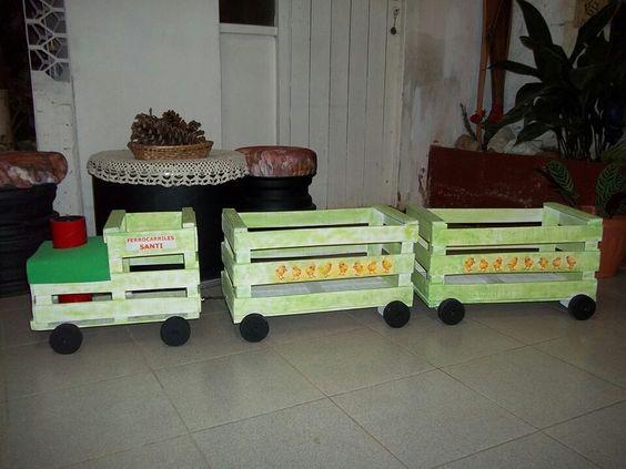 20 ideias para usar caixotes na decoração do quarto das crianças - A Mãe Coruja tren de cajas de fruta: