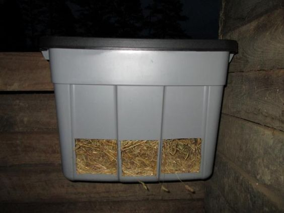 how to make hay feeders for sheep