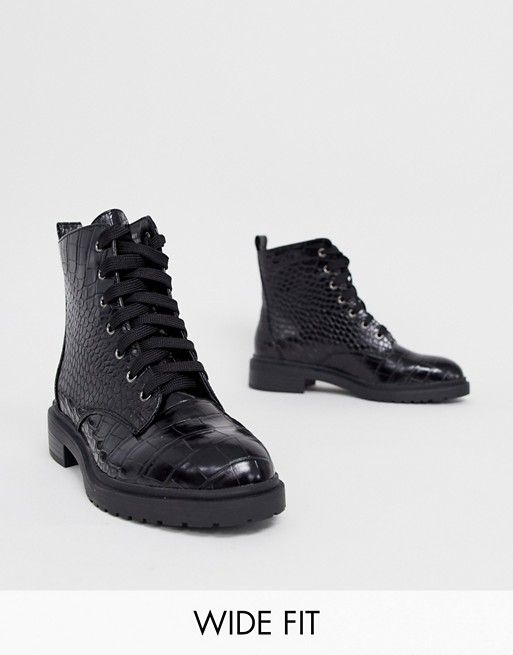 wide fit lace up flat hiker boot