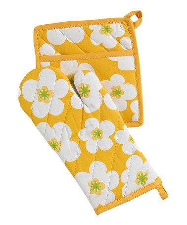 Another great find on #zulily! Yellow Big Blooms Oven Mitt & Pot Holder #zulilyfinds