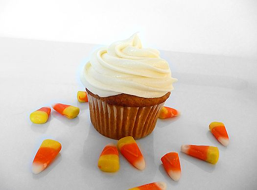 M'mmm...Pumpkin Cupcakes with Cream Cheese Frosting!