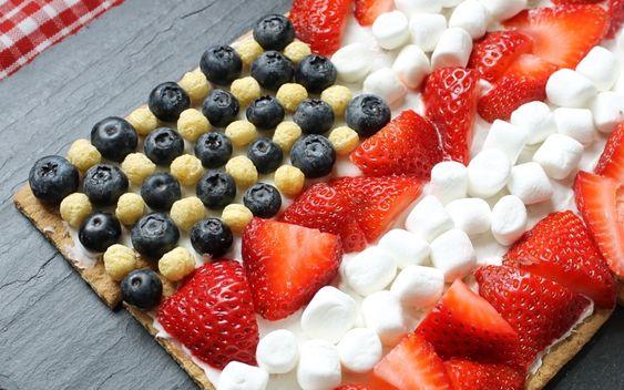 super-easy graham cracker flag dessert