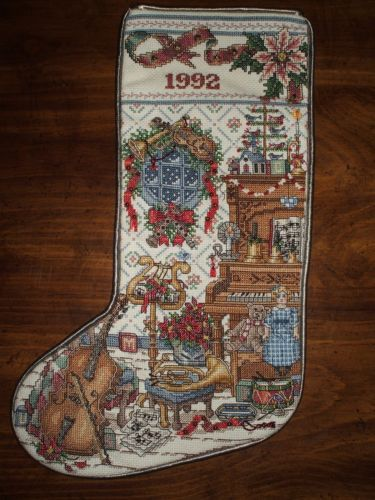 Completed Cross Stitch amp Country Crafts Heirloom Christmas