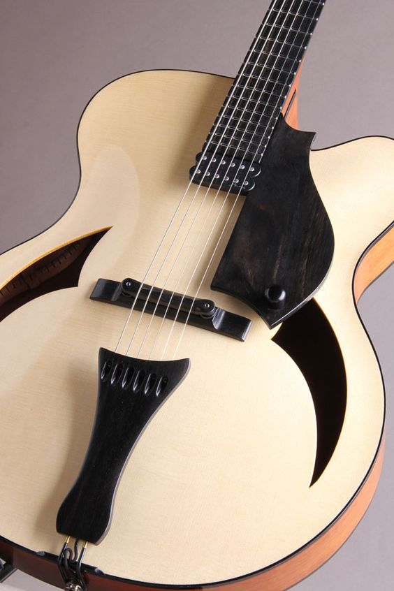 "Marchione Guitars 17"" Arch Top Swiss Spruce Top Honduras Mahogany Side & Back Blond"