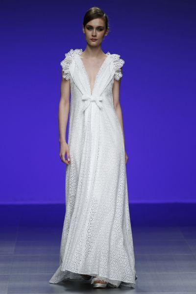 Robes de mariée Cymbeline 2016 : Quand avant-garde et tradition se lient à la perfection Image: 10