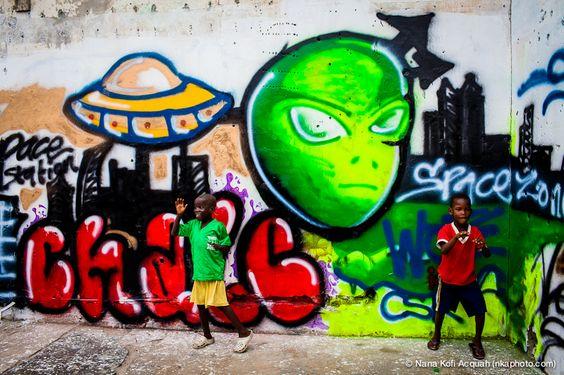 M.J, GENERIK VAPEUR & KWAME NKRUMAH ROCK CHALEY WOTE FESTIVAL 2012 - picture by Nana Kofi Acquah