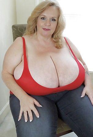 hot bbw huge boobs glisten