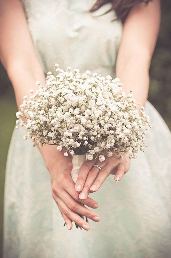 Ramos de novia con florecillas blancas                                                                                                                                                                                 Más