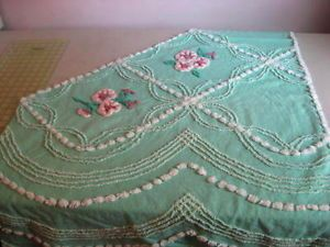 Vintage-Chenille-Beautiful-CC-Aqua-Green-with-Sweet-Pink-White-Flowers-Pc
