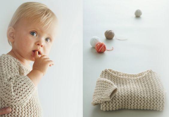 Un pull beige Tricotez ce petit pull beige pour bébé