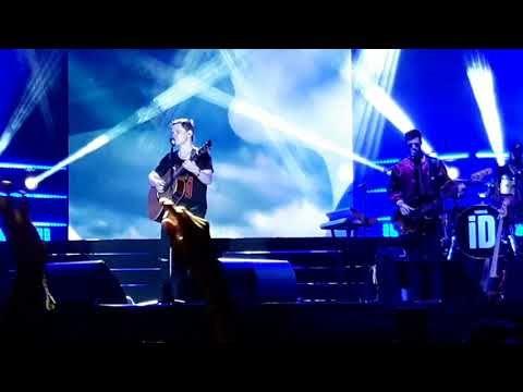 Michael Patrick Kelly Munchen 15 09 2019 Holy Mit Feuerwerk Youtube Music Songs Youtube Songs
