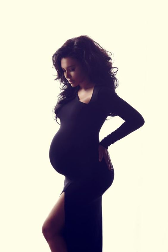 Naya Rivera looking stunning during her pregnancy shoot!