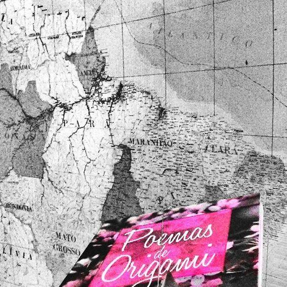 Poemas para o Brasil. Que país é esse? É o nosso, então vamos cuidar dele. #diadagentileza #Brasil #Brazil #origami #book #map #love #Pink