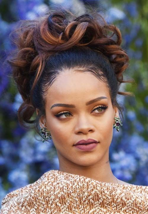 Rihanna hairstyles in party - I love this color