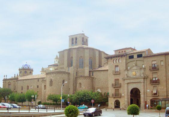 Catedral y Portal del Pont en Solsona