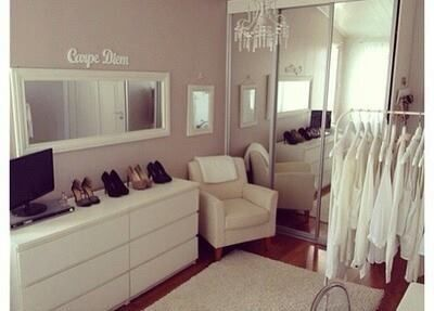 Imagen vía We Heart It https://weheartit.com/entry/166894450 #fashion #house #room #style