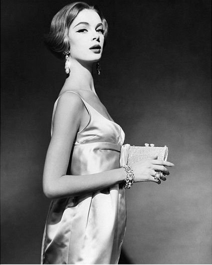 Nena in 1959 as the face of Vogue's modelling competition.