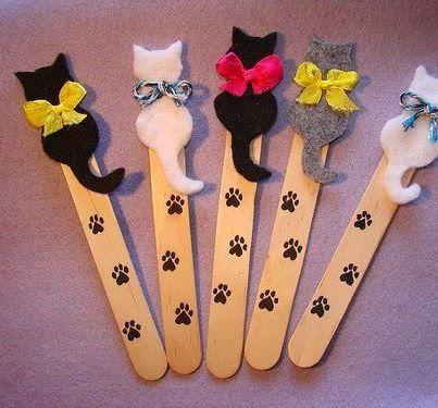 Como fazer marcadores de livros com silhueta de gatinhos de feltro e palitos de sorvete ~ VillarteDesign Artesanato: