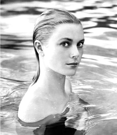 The beautiful Grace Kelly. Why don't I look like this when I go swimming? Why don't I look like this full stop???